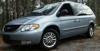 Chrysler - Town and Country - 2003 Kelowna, V1V 2G8