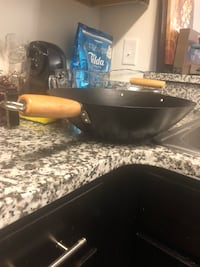 Non stick wok - 13.75inches Sale on til 26th July