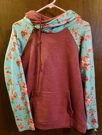 Floral Double Hoodie Little Chute, 54140