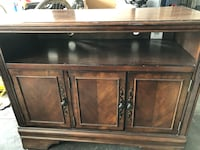 """42"""" TV stand/entertainment center Vancouver, 98686"""