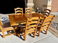Dining room table and chairs Las Vegas, 89129