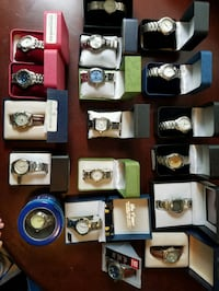 Lot of 16 mens and 2 women's watches. Toronto, M4L 1K9