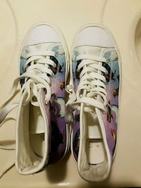 pair of white-and-purple low top sneakers Bristow