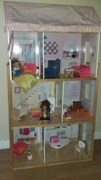 KidKraft Doll House with furniture Springfield, 22151