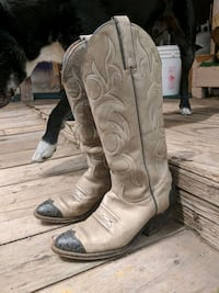 pair of brown leather cowboy boots Prineville, 97754
