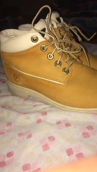 Pair of brown timberlands Edmonton, T5Y 3J3