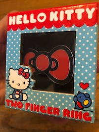 Hello Kitty Cute Bow Tie 2 Finger Ring & Box In Like New Condition