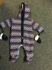 Baby snow suit and clothes  Edmonton, T6K 1V4