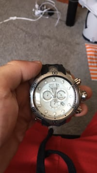 Brand new Invicta watch with box and extra bands Manalapan, 07726