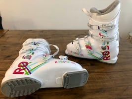 Youth ski boot