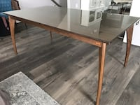 Rectangular brown wooden dining table Gainesville, 20155