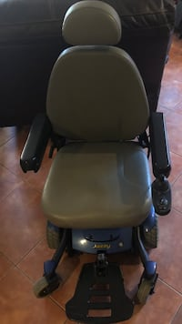 Jazzy Electric Wheelchair used as a back up chair excellent condition. Huntington Beach, 92647