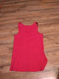 women's red sleeveless top Chattanooga, 37402