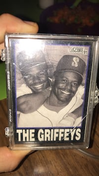 20 Awesome Ken Griffey Jr cards