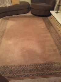 beige and brown carpet