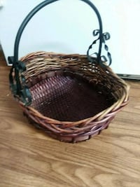 Woven basket  Knoxville, 37912