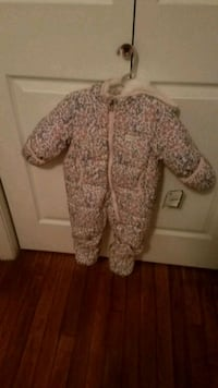 OshKosh B'gosh snow suit brand new Alexandria, 22306