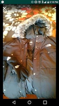Mens black North Face Coat With NF gloves. Size 3x Bath, 18014