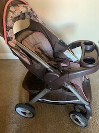 Stroller with 2 bases Las Vegas, 89117