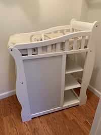Changing station with changing pad and cover Falls Church, 22044