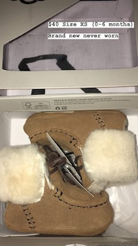 Baby Uggs XS (0-6 months)