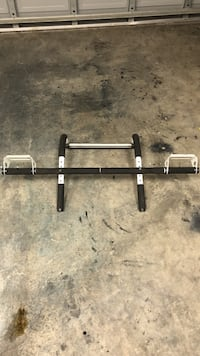 black and white doorway pullup bar