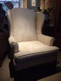 NICE!! CHIPPENDALE WING BACK CHAIR  Baltimore, 21229
