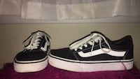 vans size 6.0 with drawn smiley face  34 mi