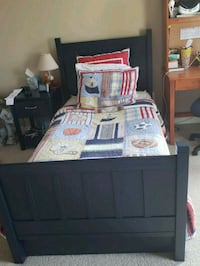 Pottery Barn camp twin bed,navy 13 km