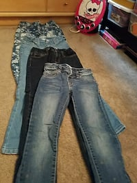 distressed blue-washed jeans Tacoma, 98498