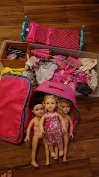 3 journey girl  dolls with bed, carrying case and  Kelowna, V1V 2P1
