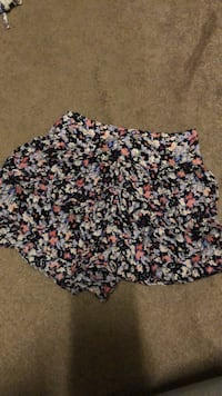 Floral shorts from American Eagle! Too small on me Suffolk, 23435