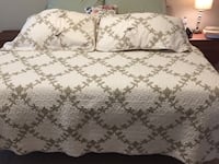 King size coverlet and shams Katy, 77494