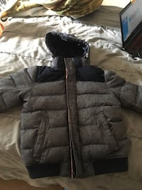 Tommy Hilfiger winter coat medium Langley, V3A 7R5