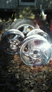 Factory gm vehicle rims but cake off pontiac  Youngsville