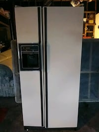 Side by side GE Refrigerator equipped for an icema Anniston, 36201