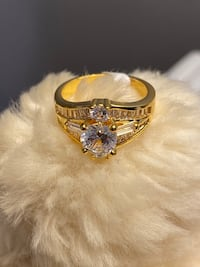 18k Gold Filled Cluster Ring With Clear CZ Size 7