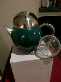 Teapot with strainer North Vancouver, V7G