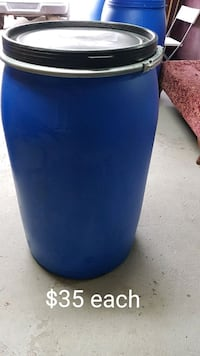 Lrg 30 gallon plastic barrels for shipping/storage Toronto, M9V 4B1