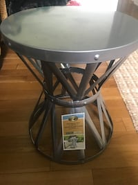 Beautiful silver metal bench/stool! Used for staging!  Ajax