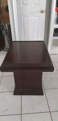Coffee table for sale  Newmarket, L3Y 4Y8
