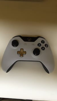 white Xbox One game controller Slidell, 70461