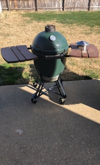 Big Green Egg with Accessories Newport News, 23608