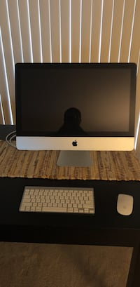 3.06 GHz iMac for parts (Mid 2010)