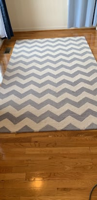 5x8 ft Potterybarn Kids gray and white chevron rug Washington, 20016