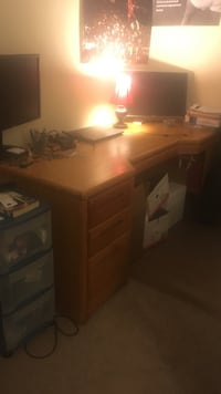 Office desk, moving out so make an offer  Las Cruces, 88011