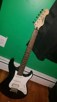 black and white stratocaster electric guitar Oxford, 01540