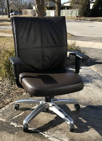 President's Chair, all leather (STEELCASE) Milton