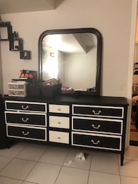 Black and white wooden dresser with mirror Vaughan, L4L 3W7