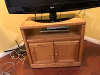wooden tv stand Surrey, V4N 4S2